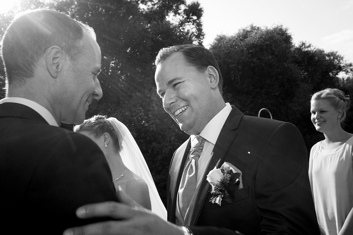 Bräutigam-Trauzeuge-Hochzeit-insa-axel