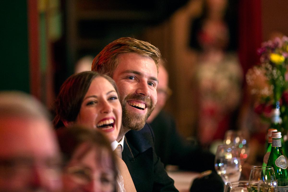 Hochzeitsfeier-Brautpaar-Fotograf-n-und-n