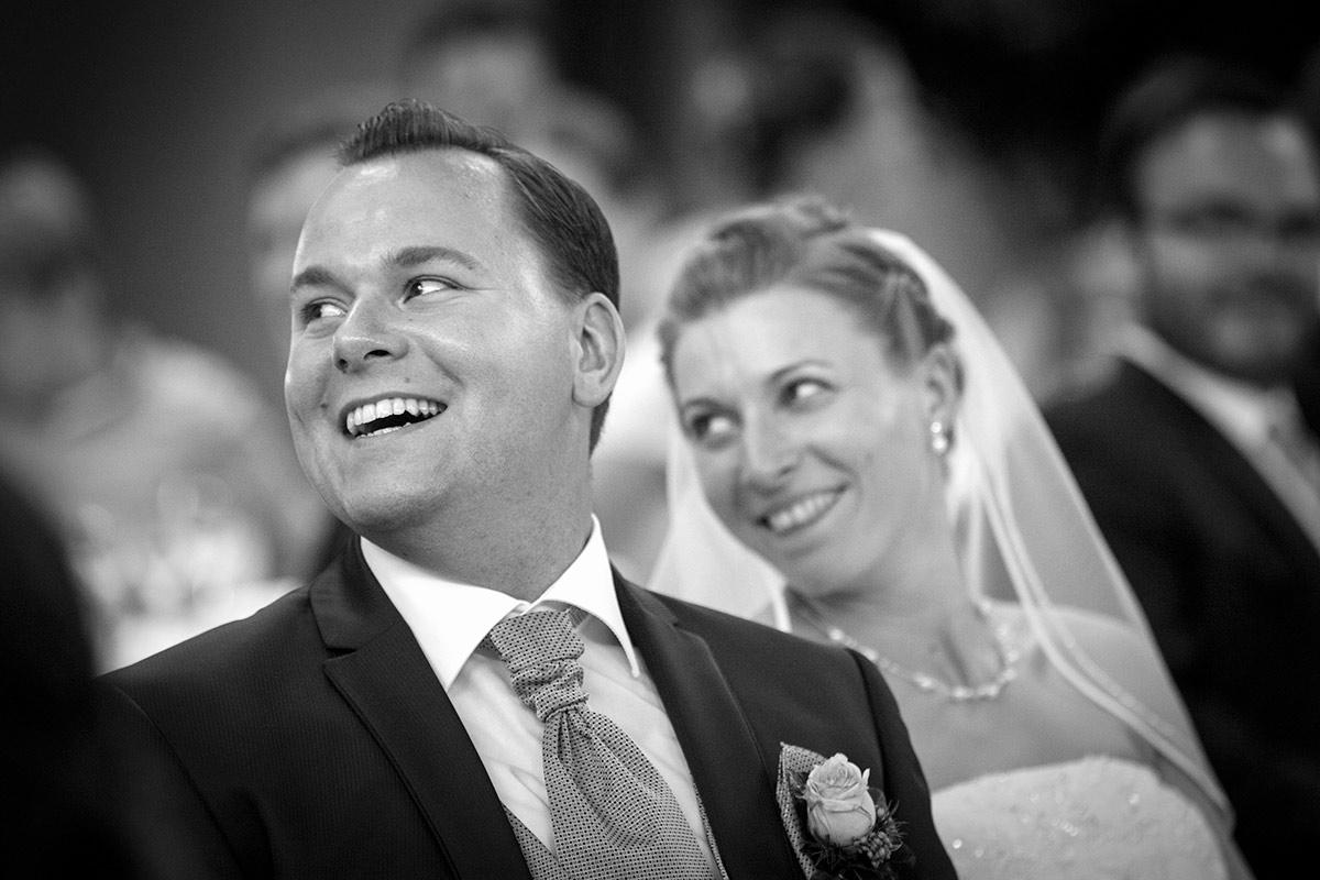 Hochzeitspaar-Empfang-lacht-Insa-Axel