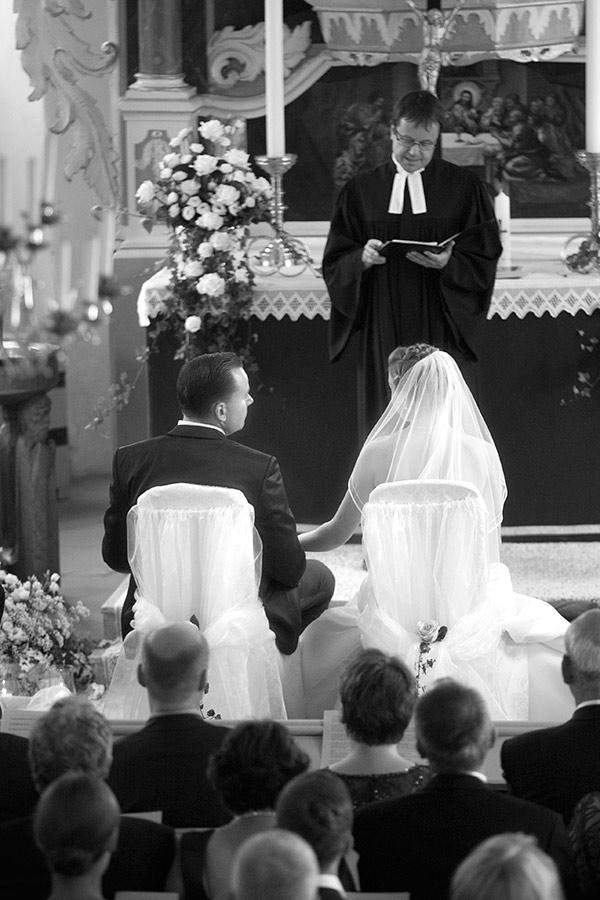 Trauung-Kirche-Pastor-insa-axel