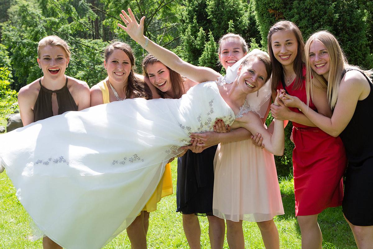 Trauzeuginnen-Hochzeitsbilder-Fotografie-