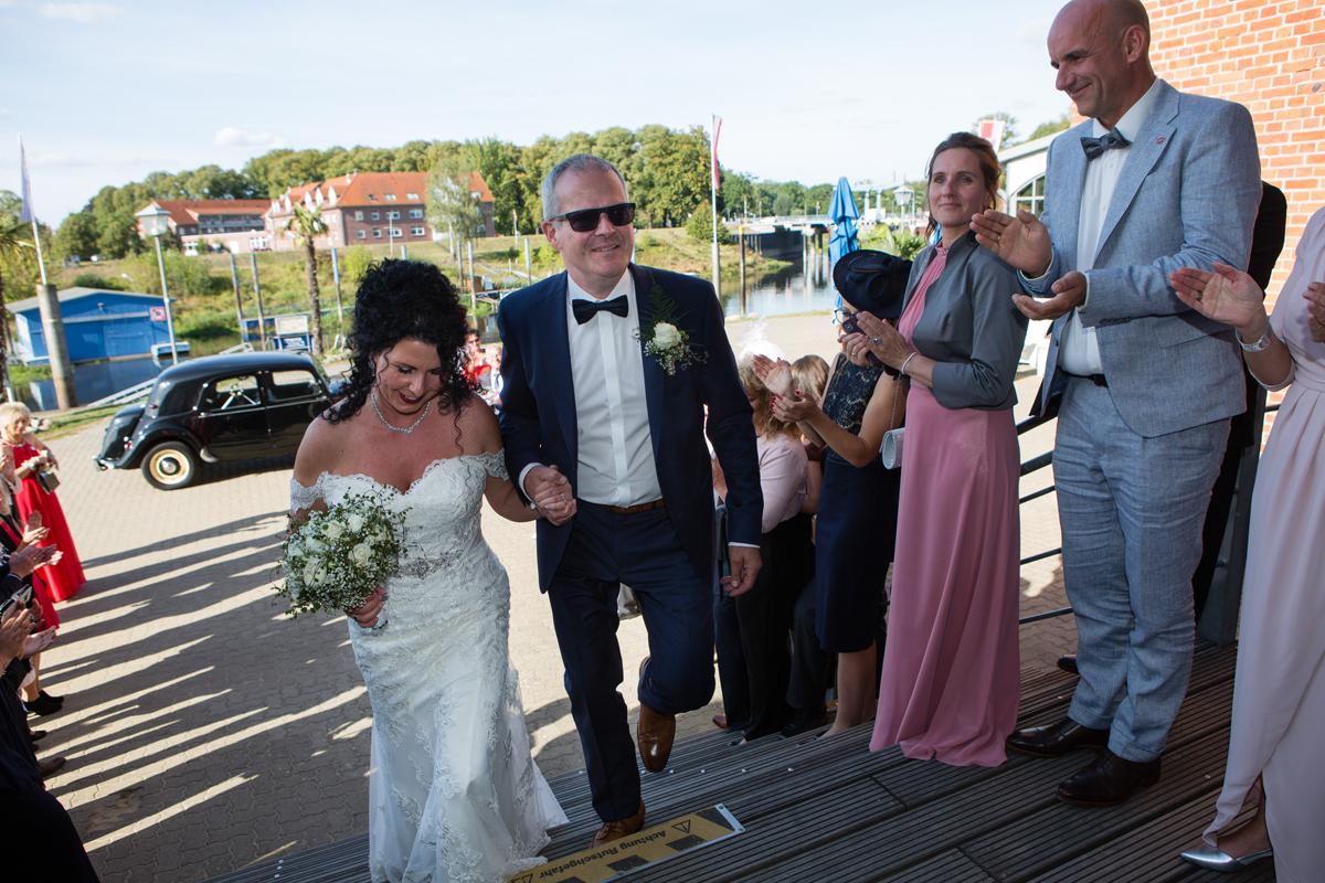 Brautpaar empfang dömitz n und t
