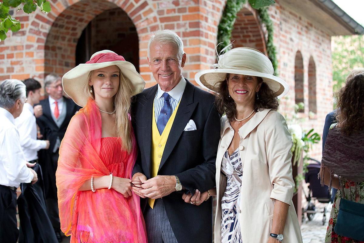 Hochzeit-gartow-fotograf-gäste-i-und-a